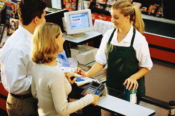 Jobs In Retail Cashiers Who S Hiring What They Pay